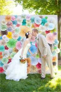 backdrop งานแต่ง พัดกระดาษ