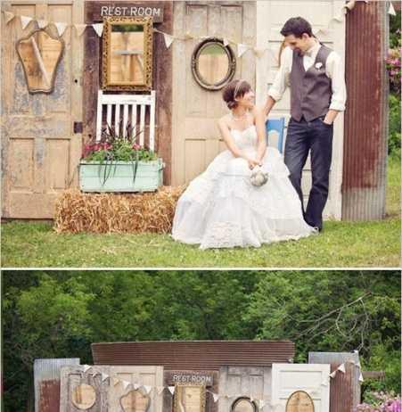 backdrop ประตูไม้บานเก่า
