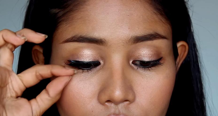 Makeup Tips เปลี่ยนดวงตาคู่สวย...ด้วยขนตาปลอม 9
