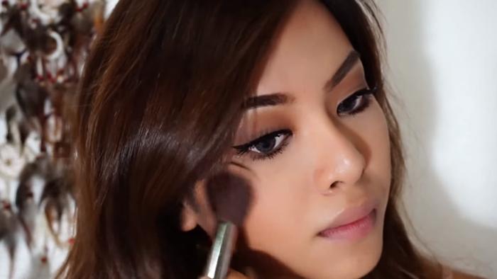 Deep Brown Makeup 10