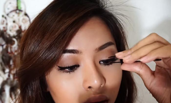 Deep Brown Makeup 11