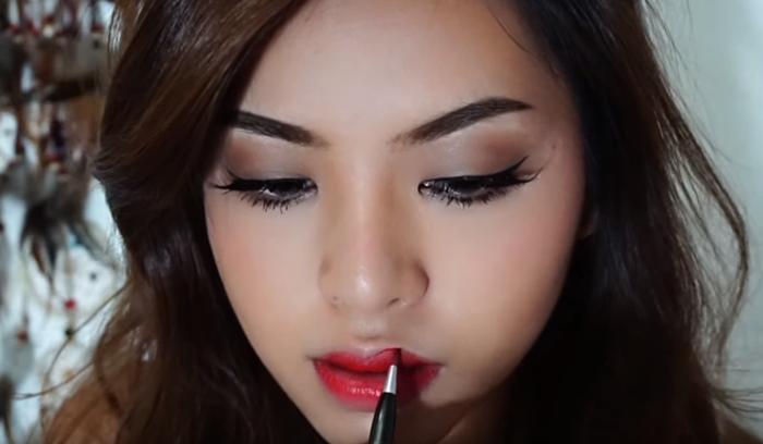 Deep Brown Makeup 12