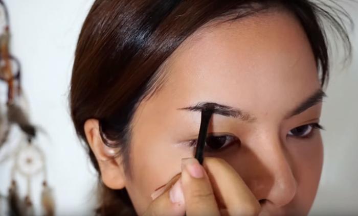 Deep Brown Makeup 6