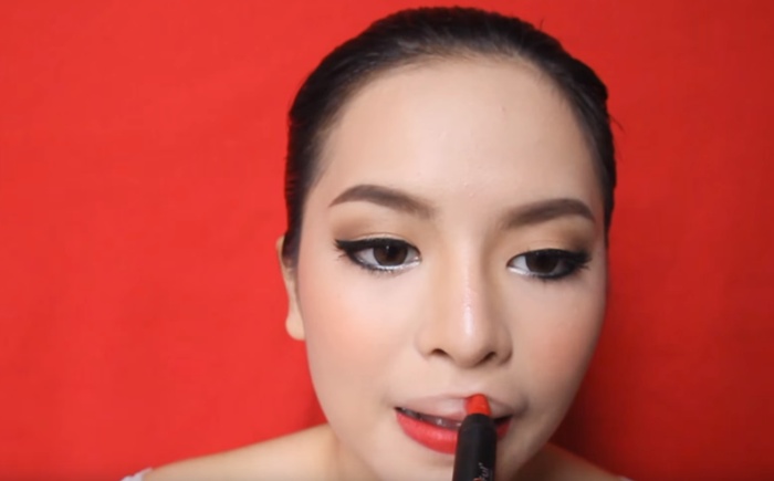Red Lips Makeup 10