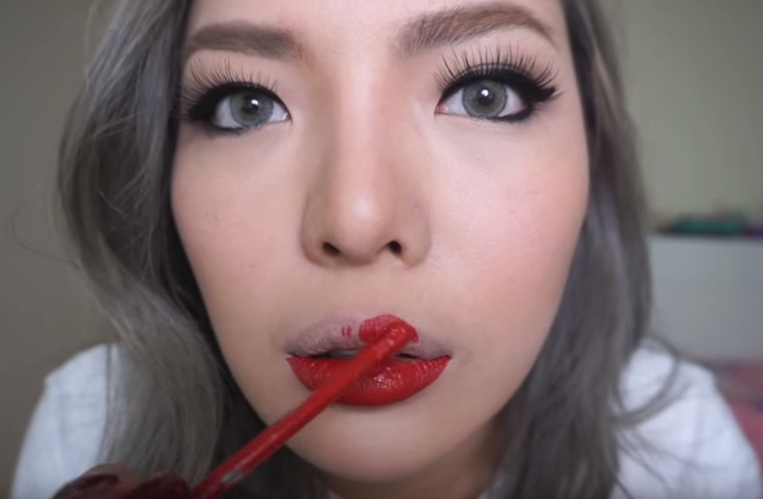 Red Lips Makeup 8
