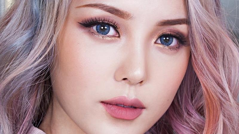 Gorgeous Mahogany Makeup 1