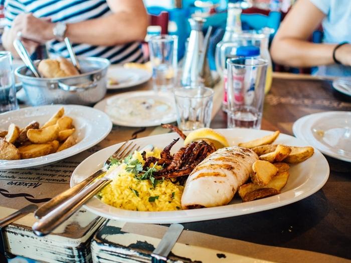 food-plate-restaurant-eating-large