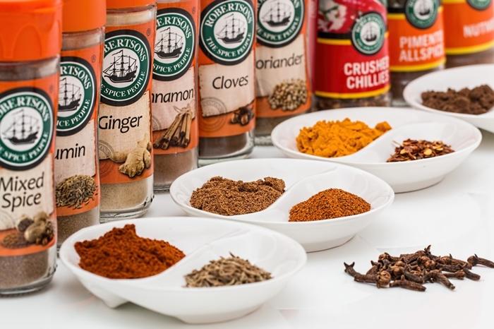 spices-flavorings-seasoning-food-large